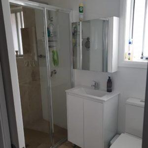Shower Glass Screen - Glass Repairs in Dapto, NSW