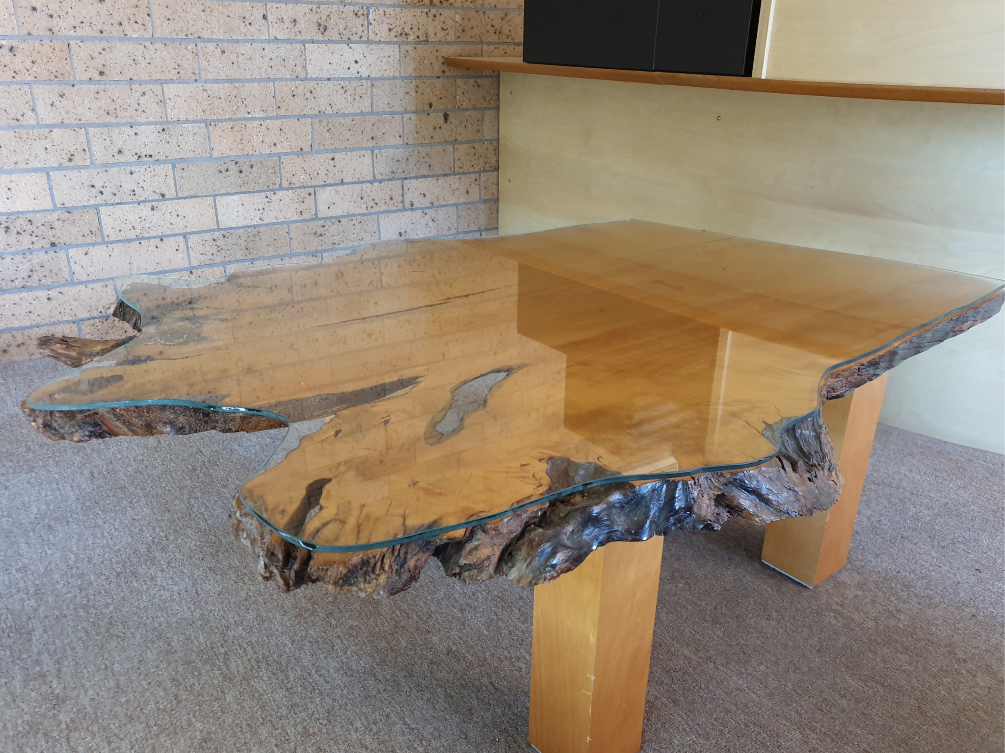 Read more about the article Everything you need to know about glass table tops