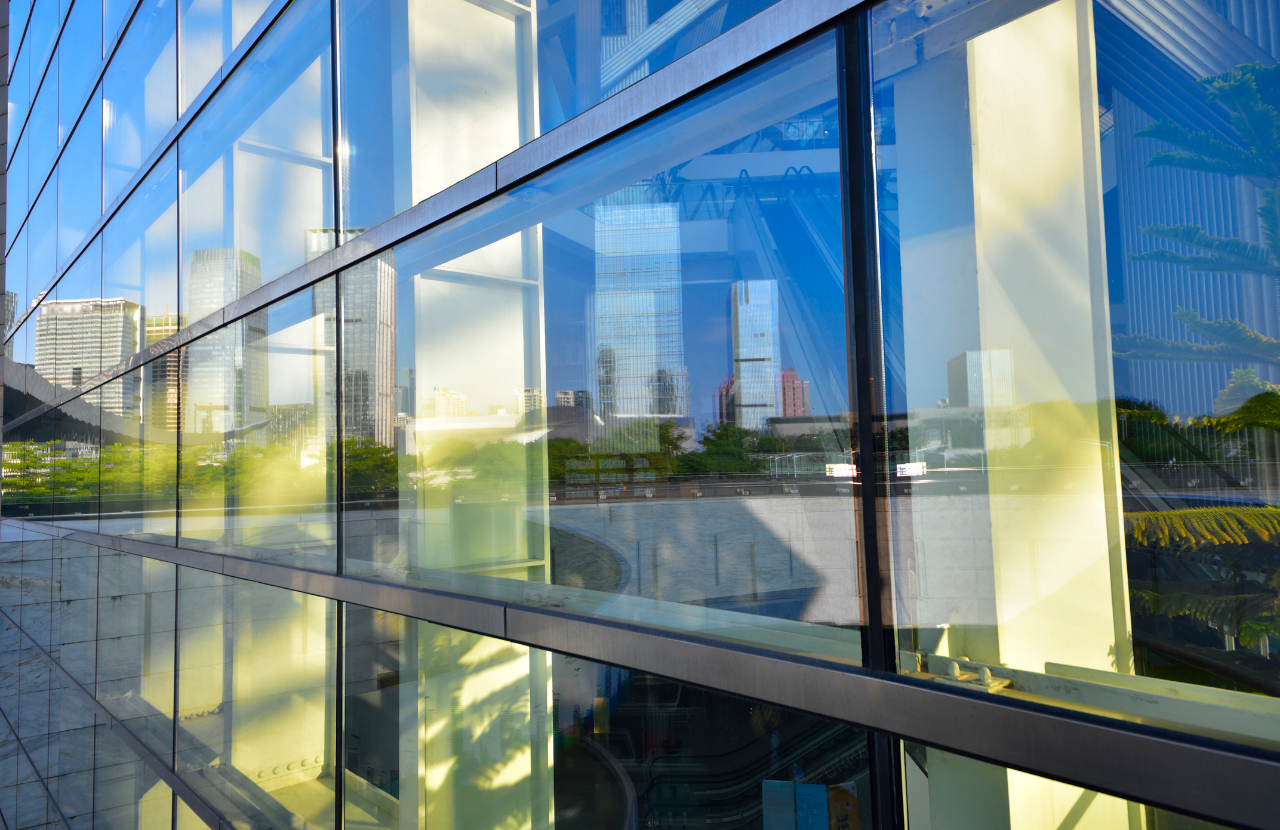 Read more about the article 6 reasons why you should use a qualified glazier